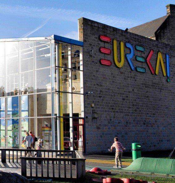 Eureka 6 - Large